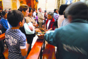 ¿ES CORRECTA LA EXPRESIÓN «LIMOSNA» PARA REFERIRSE A LO QUE SE DA EN LA MISA?