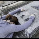 Las 4 claves de la Biblia para superar la muerte de un ser querido